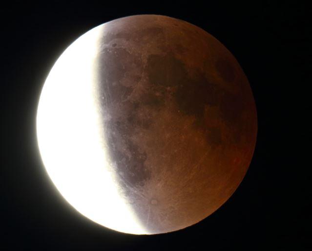 Lune_moitié_givrée