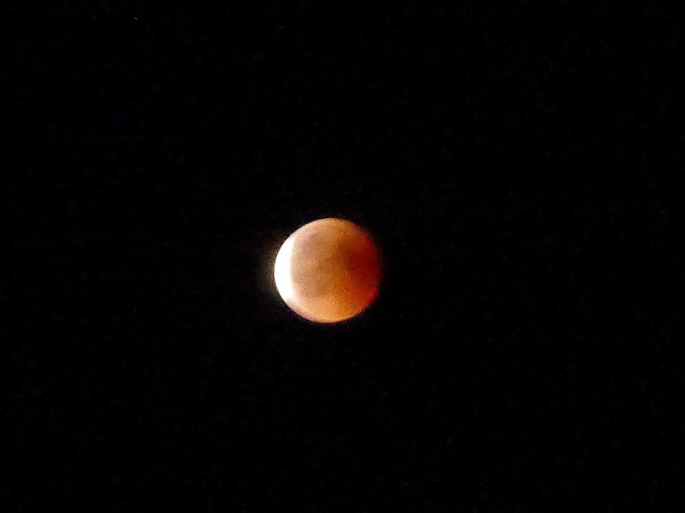 lune_rousse