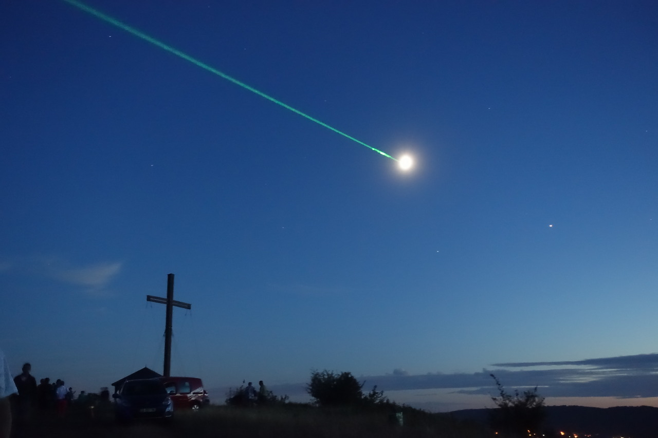 Rayon_Laser_Lune